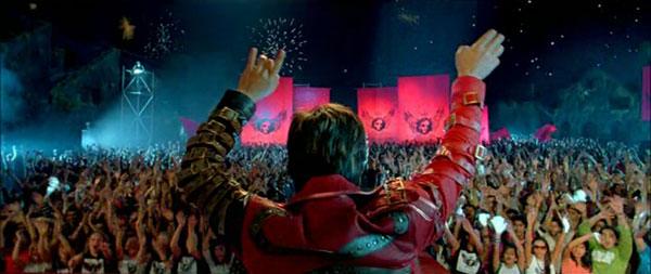 AaAeO-SRK-OnStage