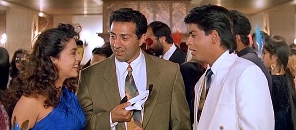 Darr-film-40-juhichawla-sunnydeol-shahrukhkhan