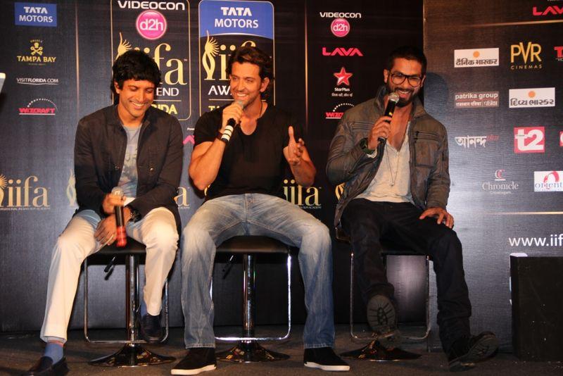 L-R Farhan Akhtar,Hrithik Roshan, Shahid Kapoor.