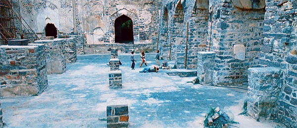 Location-GolcondaFort-Velayudham-19