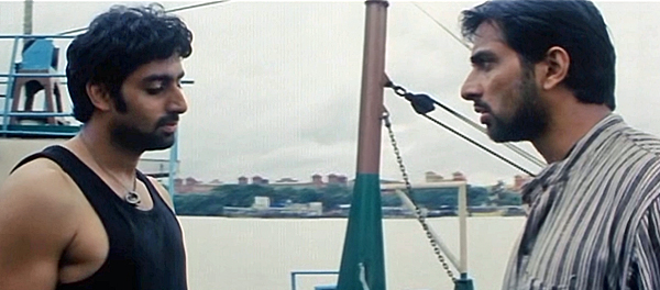 Yuva-SonuSood-AbhishekBachchan-06