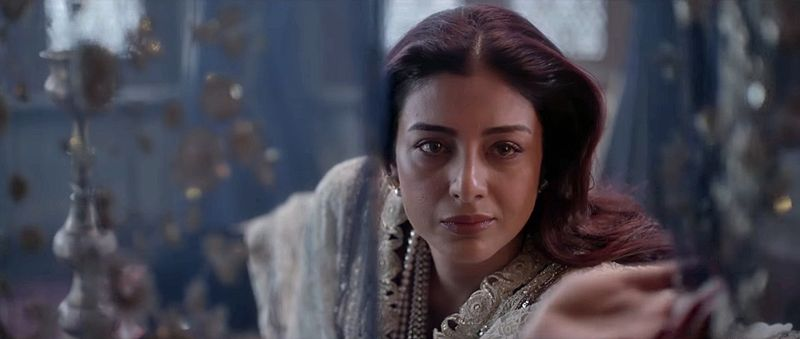 Fitoor-04-Tabu-BegumHazrat-MrsHaversham