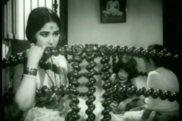 Oscar-IndiaSubmissions-1968-MajhliDidi-ElderSister