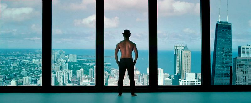 Aamir_Khan_Standing_in_Dhoom_3_Movie_1000