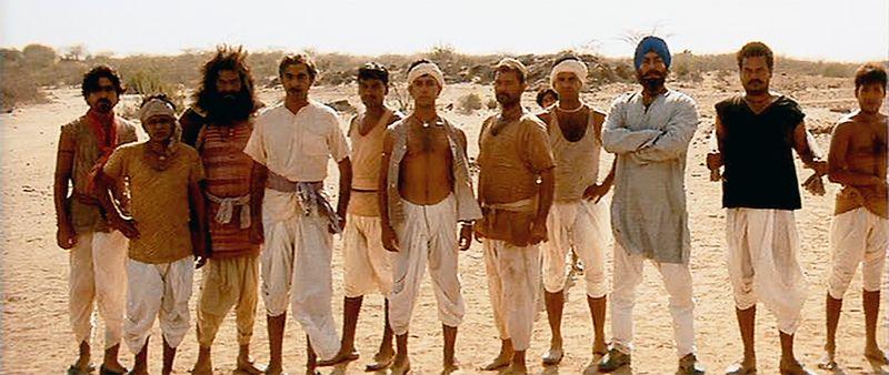 Lagaan-LandTax-AamirKhan-Cricket-01