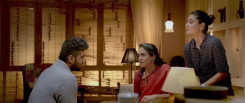 Ki&Ka-Stills-ArjunKapoor-KareenaKapoor-06