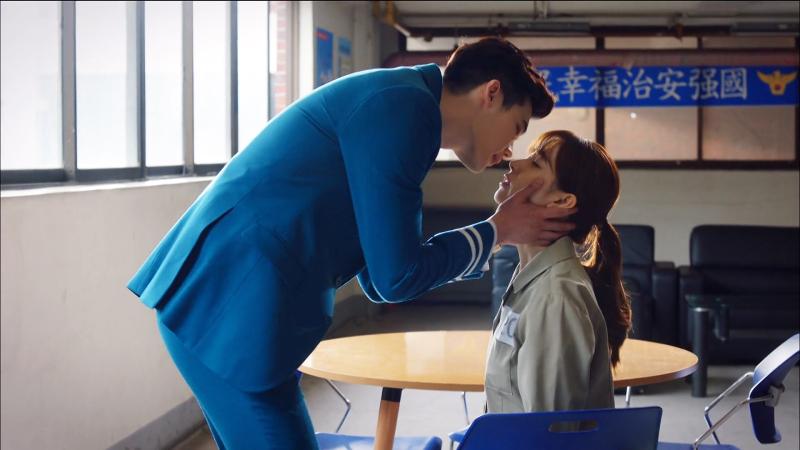 W_TwoWorlds_LeeJongSuk_HanHyoJoo_SweetRomance